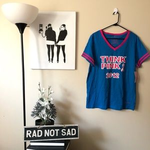 NWT L Brands Think Pink 2012 Breast Cancer Tee